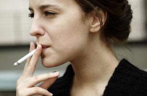 Sigara içmek dünyanın en bağımlılık yapıcı ve en zararlı alışkanlıklarından. Bunu fazla protein yemekle kıyaslamak bile saçmalıktan fazlası değil.