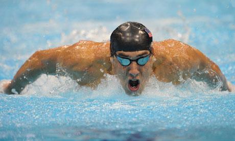 Dünyanın en başarılı sporcularından kabul edilen Michael Phelps'in günde 7000 kalori tükettiği söyleniyor...